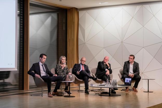 Pol Mellina, Gaëlle Felly, Daniel Riedel, Alain Steichen (Bonn Steichen & Partners) et Nicolas Léonard (Paperjam). (Photo: Jan Hanrion/Maison Moderne)