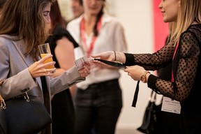 Silvia Fernandez Ruiz (Credit Suisse Luxembourg) et Delphine Theunissen (Maison Moderne) ((Photo: Jan Hanrion / Maison Moderne))