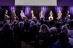 Marinelli (Jonk Entrepreuneuren Luxembourg asbl), Martine Neyen (Ondine Conseil) et Jean-Michel Gaudron (Co-auteur du livre) ((Photo: Jan Hanrion/Maison Moderne))
