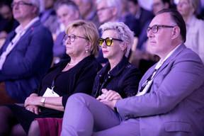 Pia Nilles (Tzwee), à droite ((Photo: Jan Hanrion/Maison Moderne))