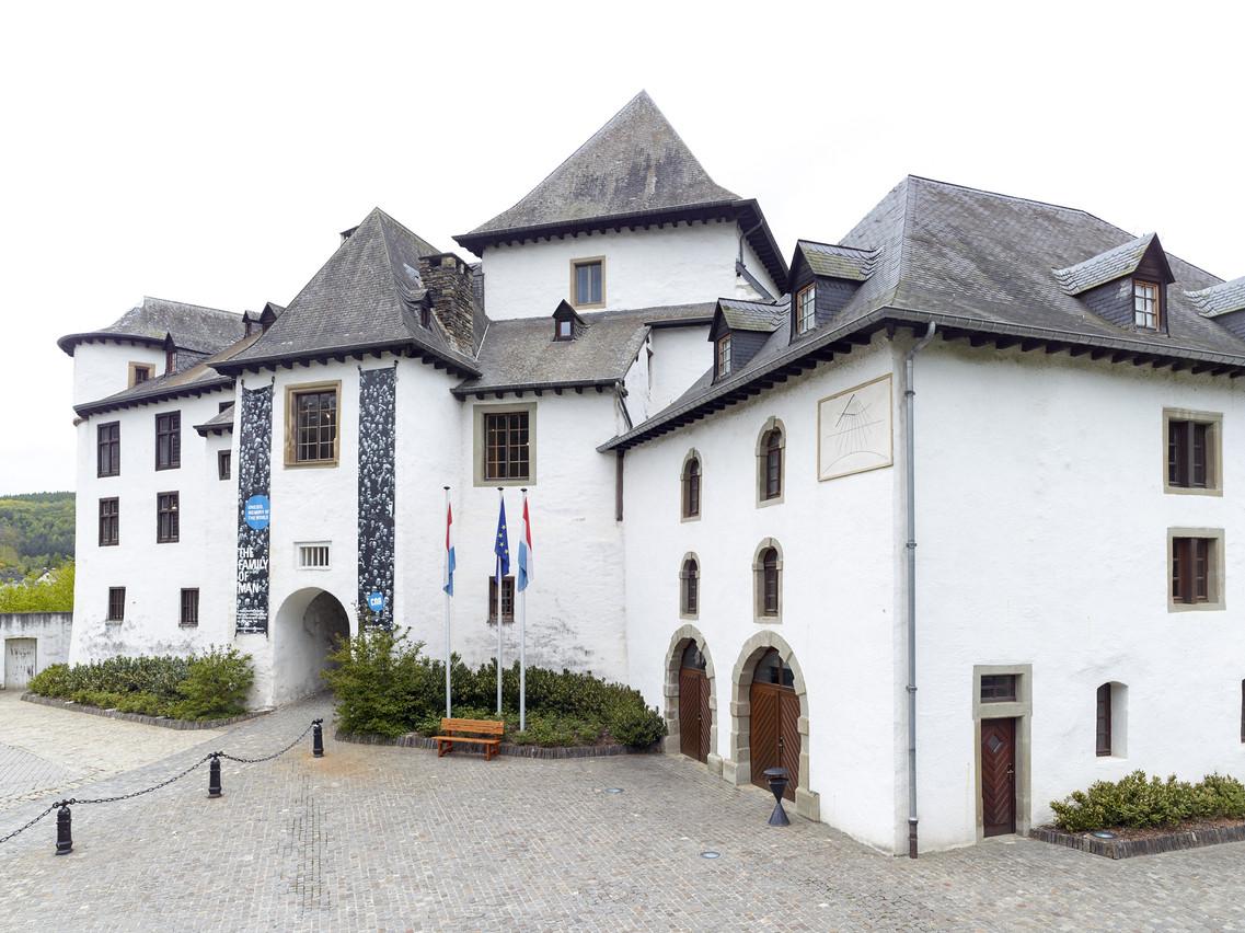 Le château de Clervaux, siège de l'exposition«The Family of Man» d'Edward Steichen. (Photo: CNA Romain Girtgen)