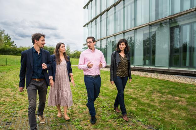 Faire quelques pas entre collègues pour gagner en efficacité, c'est le principe du «co-walking».  (Photo: Nader Ghavami)