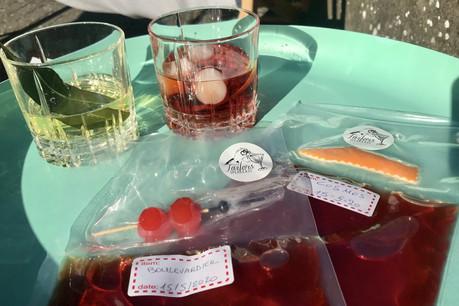 Petites pochettes hermétiques et ingrédients «on top», une formule parfaite en livraison pour les cocktails de Tailors Concept en cette période de confinement... (Photo: Maison Moderne)