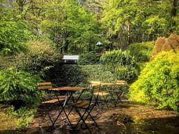 À l'arrière, une terrasse et un petit parc de verdure au bord d'une zone Natura2000. ((Photo: Cocoonut))