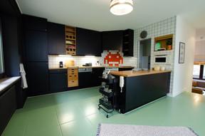 La cuisine, avec trois frigos pour six. ((Photo: Cocoonut))