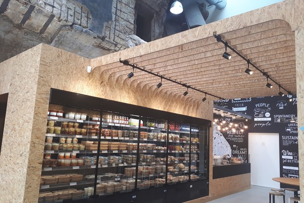 Le nouveau point de vente Cocottes bénéficie d'un cadre industriel. (Photo: Cocottes)