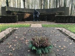 L'œuvre «Le Réalisateur» (1929) de Charles Despiau est installée dans l'enceinte du tombeau des Mayrisch dessiné par Auguste Perret. ((Photo: Paperjam))