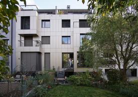 A l'arrière, les résidences s'ouvrent sur des jardins.      ((Photo: Decker, Lammar et Associés))