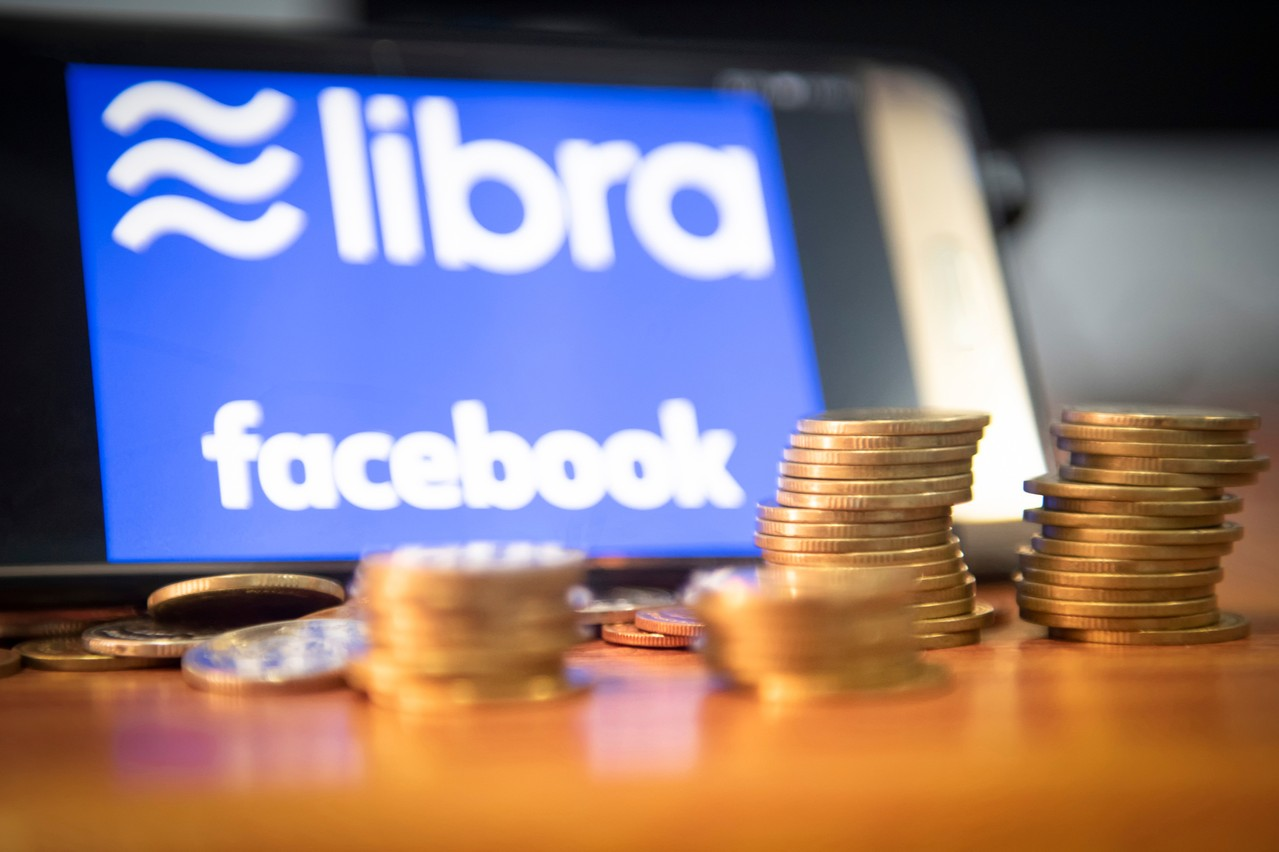 Sept des 28 partenaires originaux de Facebook pour la Libra ont déjà quitté le navire. Mais le réseau social a encore un atout dans sa manche. (Photo: Shutterstock)