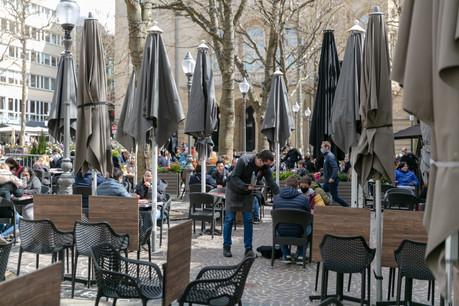 Les restaurants pourraient-ils manquer de personnel si reprise rime avec congés? La loi actuelle et la communication devraient éviter de tels problèmes au Luxembourg. (Photo: Romain Gamba / Maison Moderne)