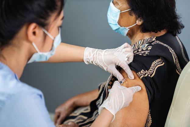 Tour d'horizon de la vaccination contre le Covid-19 chez nos voisins, plus ou moins lointains. (Photo: Shutterstock)