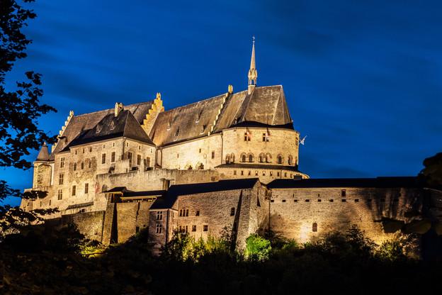 Le bon de 50 euros que vont recevoir 750.000 personnes doit à la fois soutenir le secteur de l'hôtellerie et permettre de redécouvrir les beautés du Luxembourg, comme le château de Vianden. (Photo: Shutterstock)