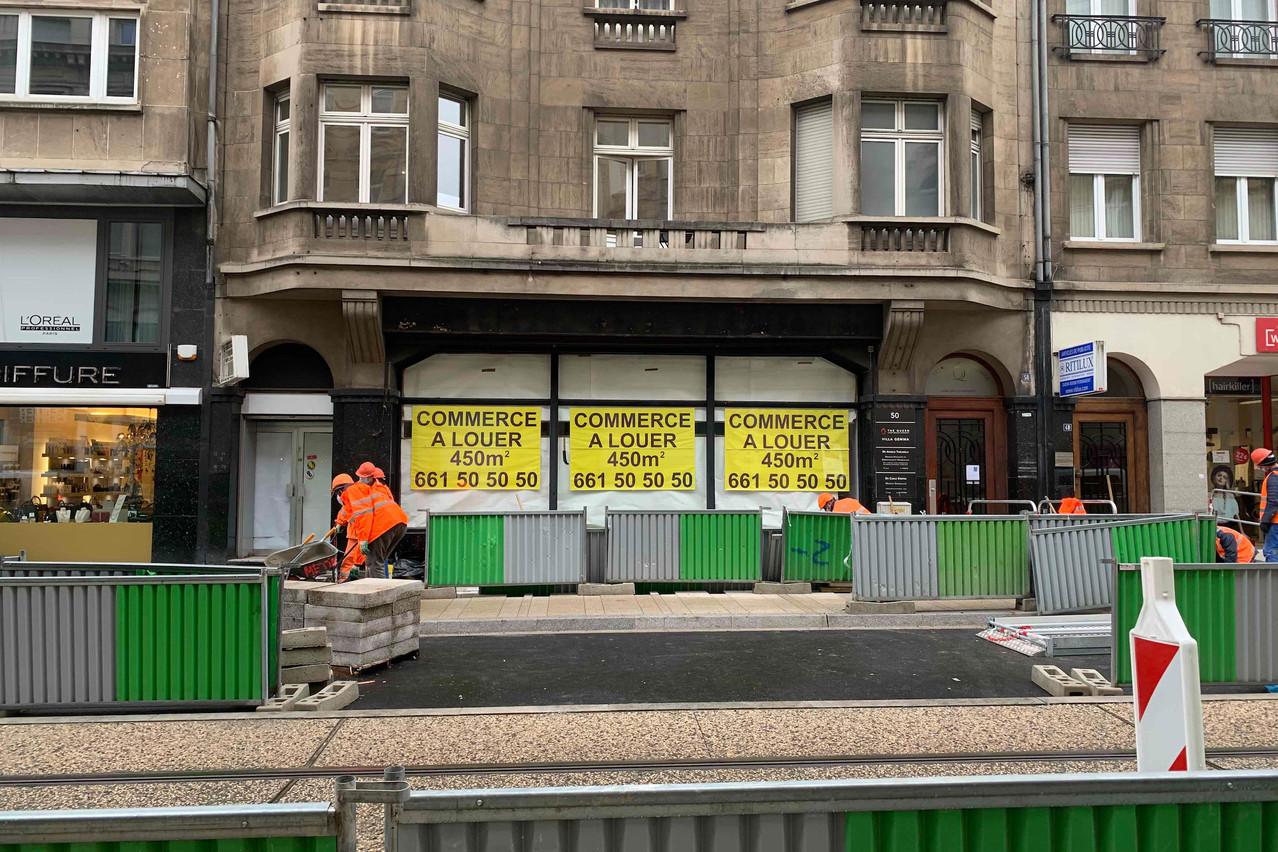 Le chantier du tram est dans sa dernière ligne droite avant la mise en service du nouveau tronçon, le 13 décembre, non sans mal pour les commerces environnants. (Photo: Paperjam)