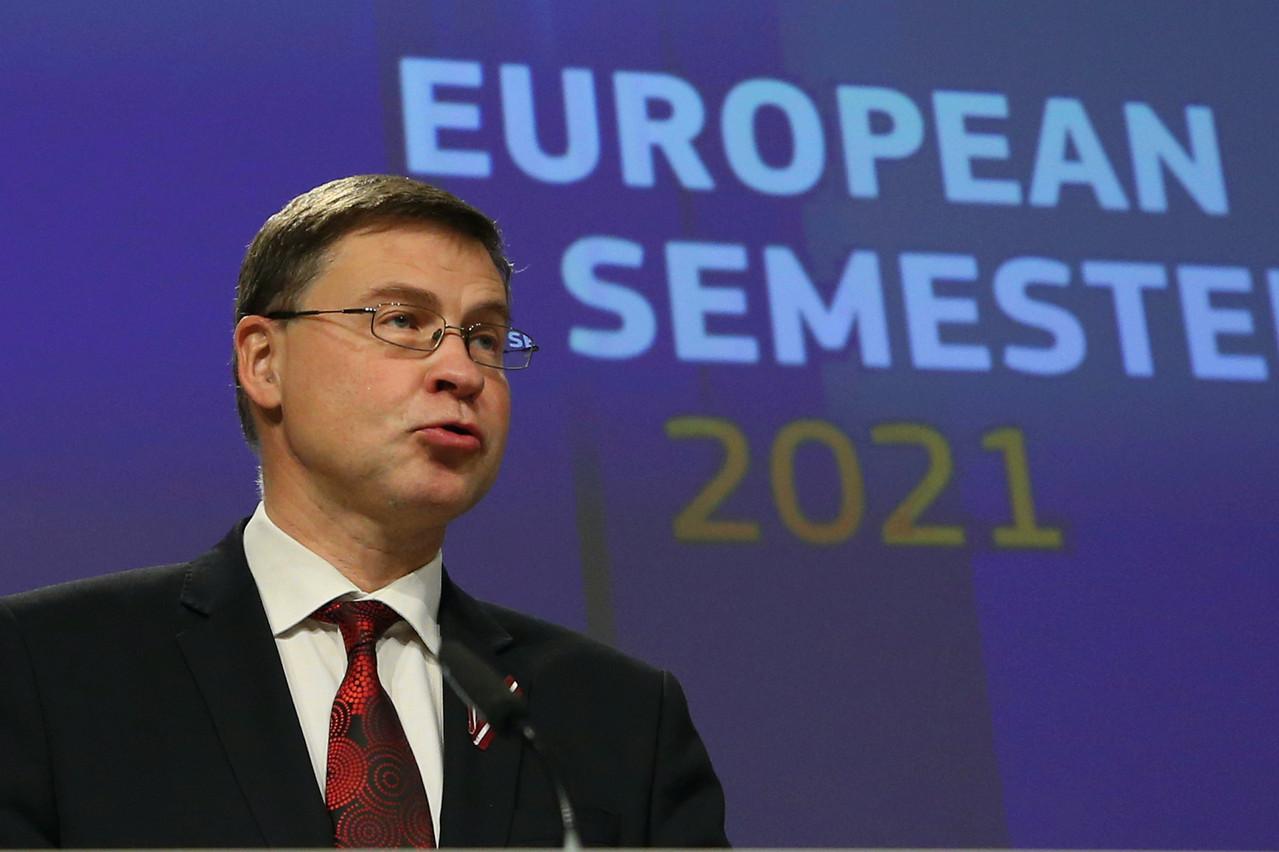 ValdisDombrovskis appelle à un dosage équilibré des dépenses pour assurer la reprise sans déséquilibrer les finances publiques. (Photo: Shutterstock)
