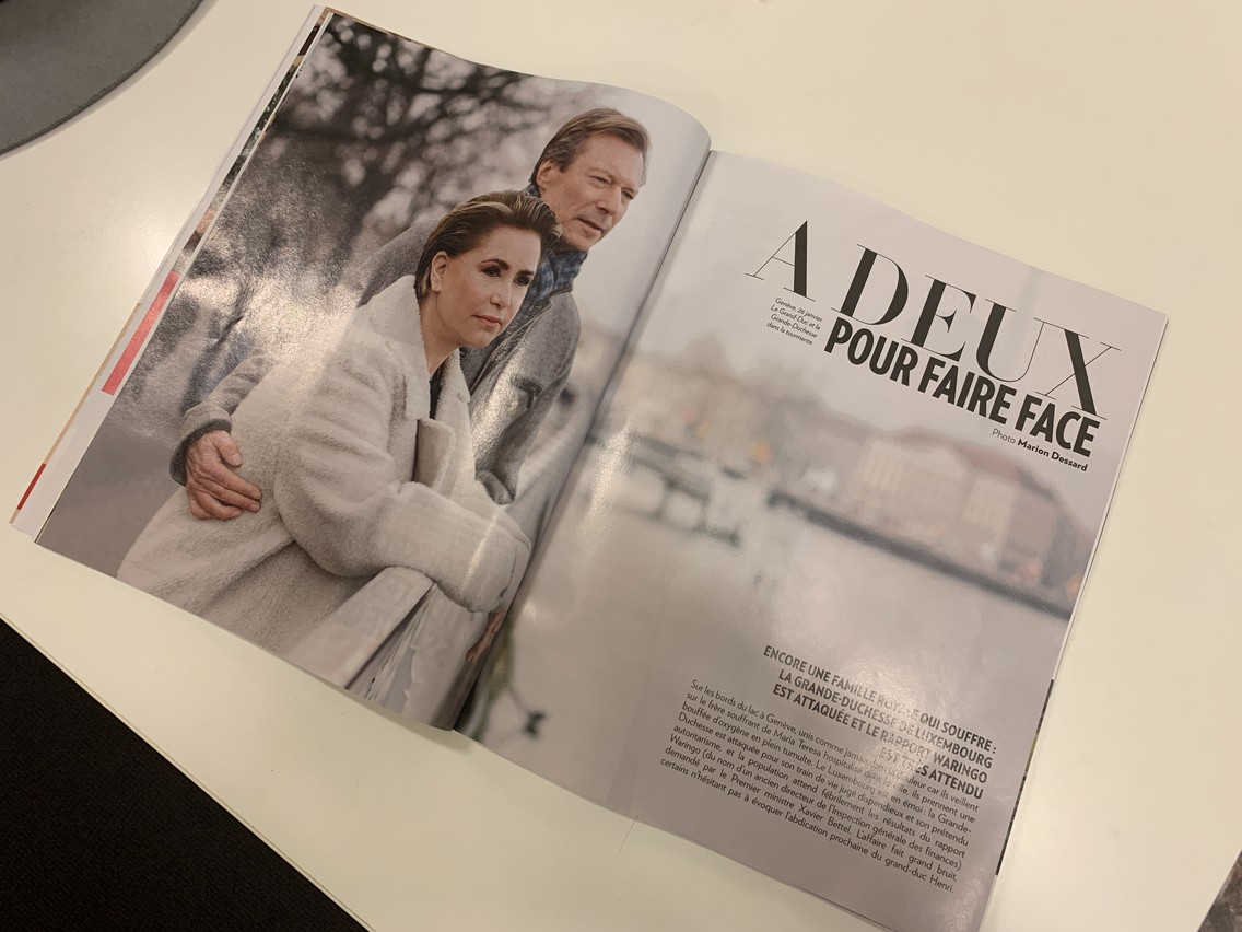 L'article de Paris Match met en scène un couple uni dans l'adversité. (Photo: Paperjam)