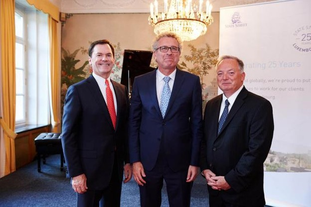 Jay Hooley, président et chief operating officer de State Street Corporation, Pierre Gramegna, Ministre des Finances du Luxembourg, and Martin F. Dobbins, managing director de State Street Luxembourg (Photo: State Street)