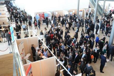 Selon les premiers chiffres, la moyenne du nombre de candidats accueillis par stand est de plus de 300.  (Photo: Moovijob)