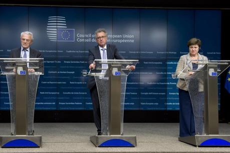 Jean Arthuis, eurodéputé et président de la commission des budgets du Parlement européen, Pierre Gramegna, ministre des Finances du Luxembourg, et Kristalina Georgieva, vice-présidente de la Commission européenne. (Photo: Conseil européen)