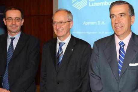 Bernard Fontana, Michel Maquil et Gonzalo Urquijo à la Bourse de Luxembourg. (Photo: Aperam)