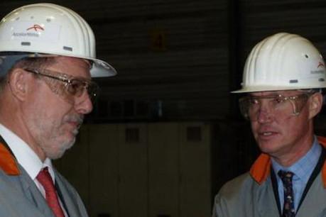 Christian Zeyen, directeur général d'ArcelorMittal Luxembourg et prince Guillaume (Photo : ArcelorMittal)