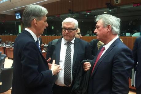 Jean Asselborn avec les ministres des Affaires étrangères du Royaume-Uni, Philip Hammond, et de l'Allemagne, Frank-Walter Steinmeier. (Photo: gouvernement.lu / MAEE)