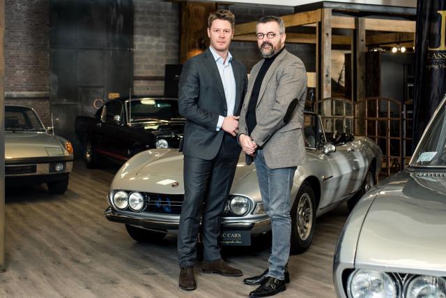 Tim Pittevils, general manager d'atHomeGroup, et Didier Goffinet, président honoraire de Luxauto.lu (Photo: atHomeGroup)