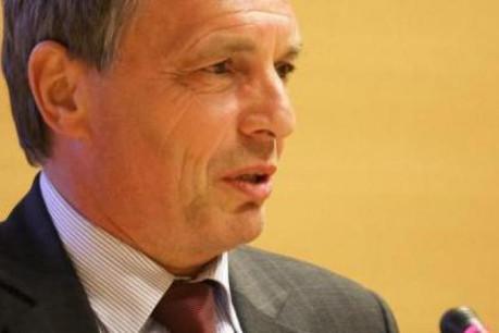 Jeannot Krecké, ministre de l'Économie et du Commerce extérieur, a présenté BEE SECURE. (Photo: Etienne Delorme/archives)