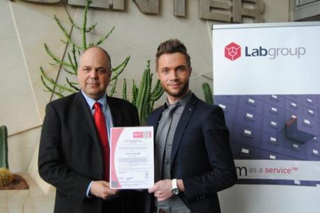 Bernard Moreau, CEO de Labgroup, et Johann Alessandroni, reponsable sécurité IT. (Photo: Labgroup)