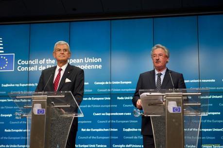 Volkan Bozkır, ministre Turc en charge des Affaires européennes, et Jean Asselborn, ministre des Affaires étrangères et européennes.  (Photo: Conseil européen)