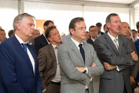André Jurres, Bart de Wever et Jean Lucius ont assisté à l'inauguration au port d'Anvers (Photo: Enovos)