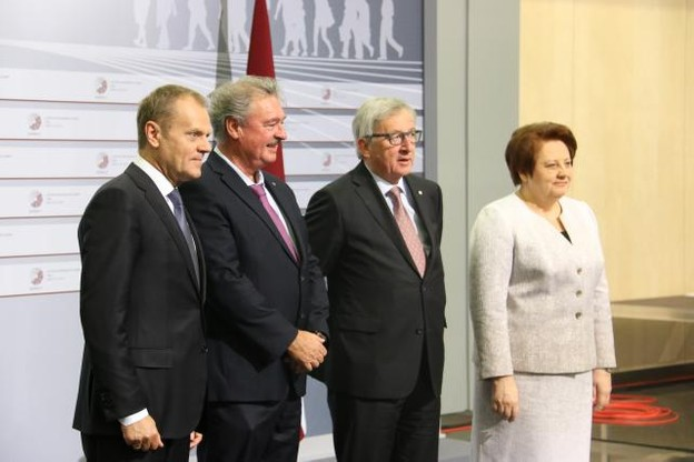 Jean Asselborn avec le président du Conseil européen, Donald Tusk, le président de la Commission européenne, Jean-Claude Juncker, et la Première ministre de la Lettonie, Laimdota Straujuma. (Photo: Ministère des Affaires étrangères et européennes)