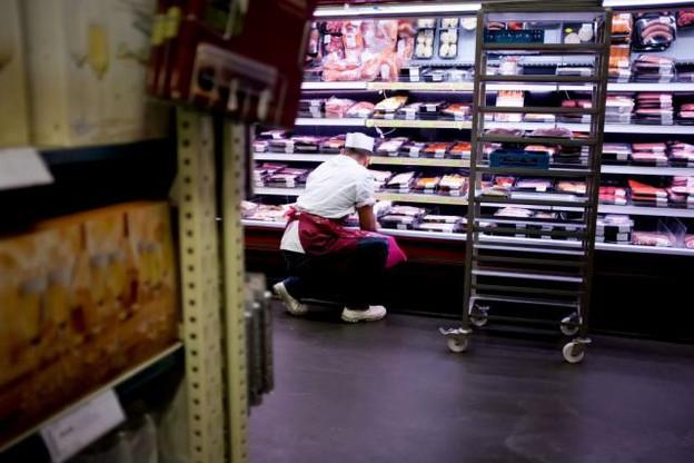 Le recul de 0,1% du volume des ventes du commerce de détail est dû à des baisses des ventes de 0,3% pour le secteur non-alimentaire et de 0,2% pour le secteur «Alimentation, boissons, tabac», tandis que les ventes de carburants ont augmenté de 0,1%. (photo: Jessica Theis / archives)