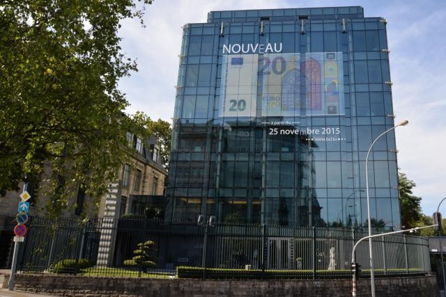 La nouvelle coupure de 20 euros comporte un signe de sécurité intégré dans l'hologramme. (Photo: BCL)
