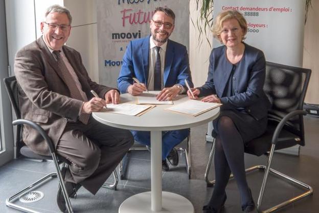 Isabelle Schlesser, directrice de l'Adem, Gilles Risser, directeur général de Moovijob et Nico Binsfeld, directeur général de Post Telecom PSF et représentant d'ICT Luxembourg (Photo: Moovijob)