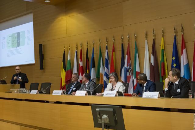 L'intermédiation au carrefour de la transparence et de la «minimisation». (Photo: Farad)
