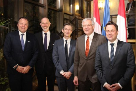 De gauche à droite: Gérard Hoffmann, Jean-François Willame, Guillaume Boutin, Stefaan De Clerck, Xavier Bettel (Photo: Proximus)