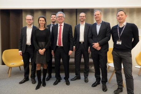 From left to right: Oliver Schimek, Laure Morsy, Mark Schmitz, H.E. Pierre Gramegna, Holger von Keutz, Cees Vermaas and Olivier Selis. (Photo: CrossLend)