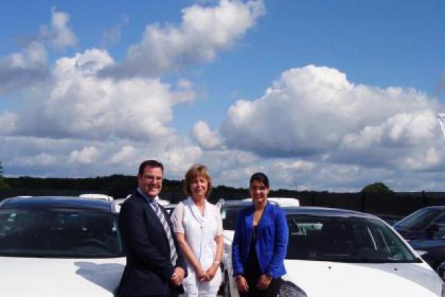 De gauche à droite : David Grandjean ALD Automotive, Rita Goffin Deputy General Manager Systemat et Claudia De Matos ALD Automot (Photo : ALD Automotive)