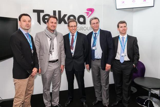 Daniel Magitteri, directeur général de Telkea et Xavier Bettel à gauche, Olivier Penin, directeur sales & marketing à droite. (Photo: Telkea)