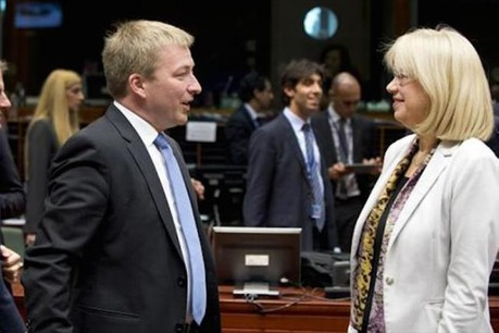 Marc Hansen et Ina Druviete, ministre lettonne de l'Éducation et des Sciences (Photo: Council of the European Union)