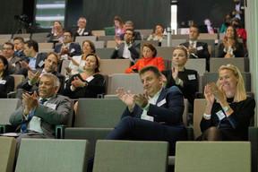 300 personnes, dont 50 en présentiel, ont suivi la conférence Horizon. ((Photo: Nelson Coelho/Deloitte Luxembourg))