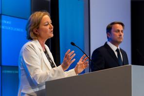 (de g. à dr.) Paulette Lenert, ministre de la Santé ; Xavier Bettel, Premier ministre, ministre d'État © SIP / Jean-Christophe Verhaegen, tous droits réservés