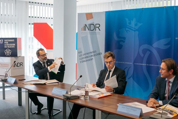 Avec ce guide, «l'INDR œuvre pour mettre le développement durable au cœur de l'agenda des entreprises», estime le ministre de l'Économie, FranzFayot. (Photo: Matic Zorman / Maison Moderne)