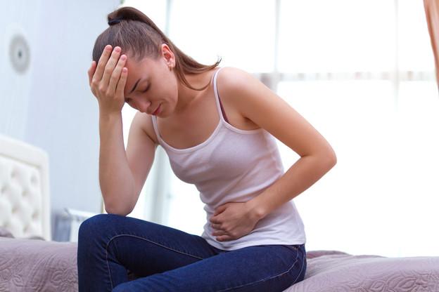Les règles mensuelles peuvent être la cause de douleurs abdominales très intenses. (Photo: Shutterstock)