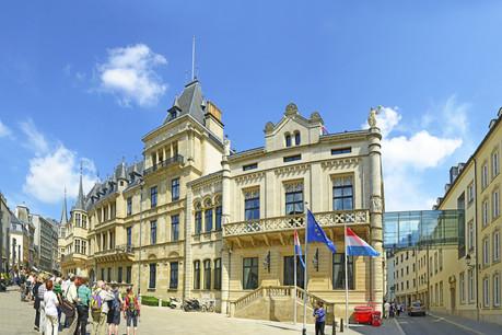 Une convention fiscale signée par la Chambre des députés, quelques mois après la ratification française. (Photo: Shutterstock)