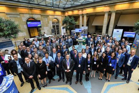 La finale de la troisième édition du Datathon a eu lieu le 13 juin à Bruxelles, avec 12 équipes sélectionnées. (Photo: Office des publications de l'Union européenne)