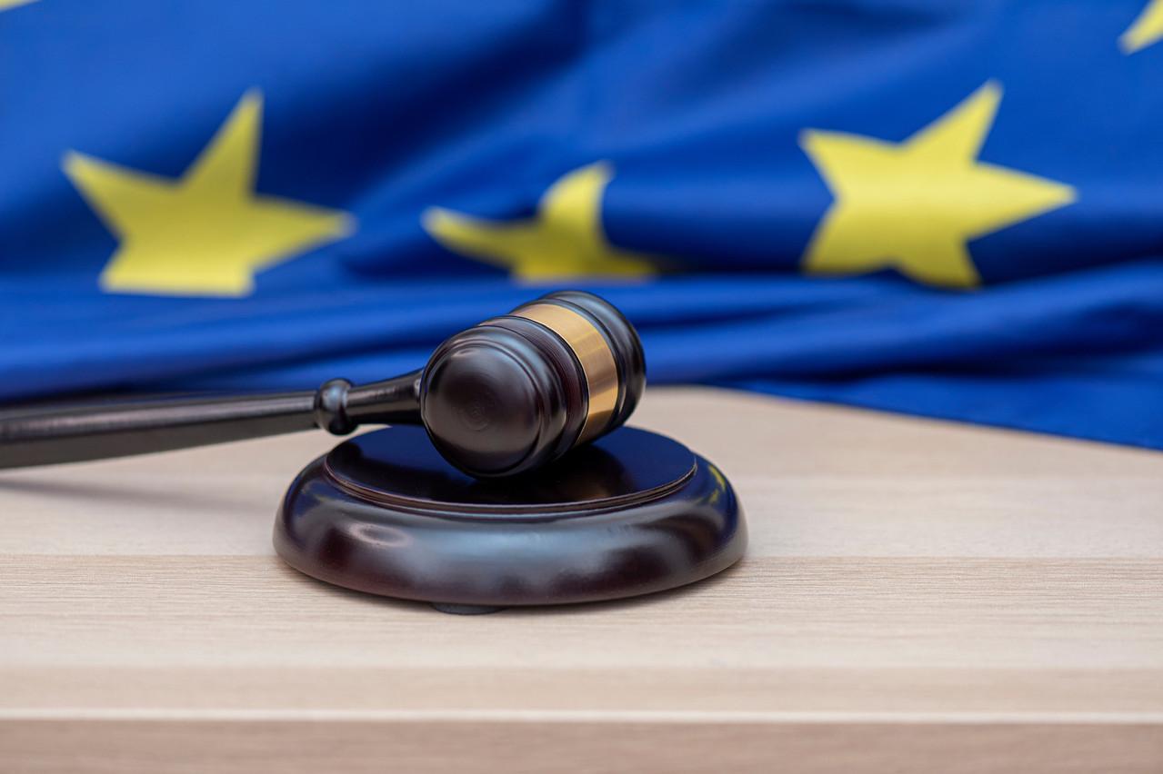 En Europe, Europol estime la valeur des transactions suspectes à environ 1,3% du PIB de l'UE, relève la Cour des comptes européenne. Soit plus de 200milliards d'euros. Au niveau mondial, on atteint 3% du PIB. (Photo: Shutterstock)