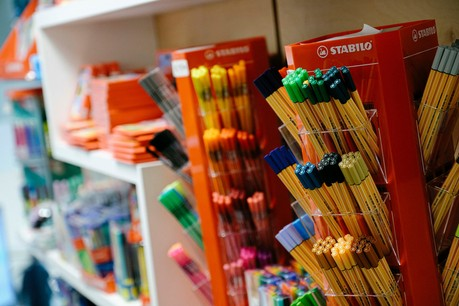 Le coût des fournitures scolaires augmente chaque année, une tendance qui accompagne le développement des gammes de produits éco-responsables dans les magasins. Photo: WILI Agency/Maison Moderne