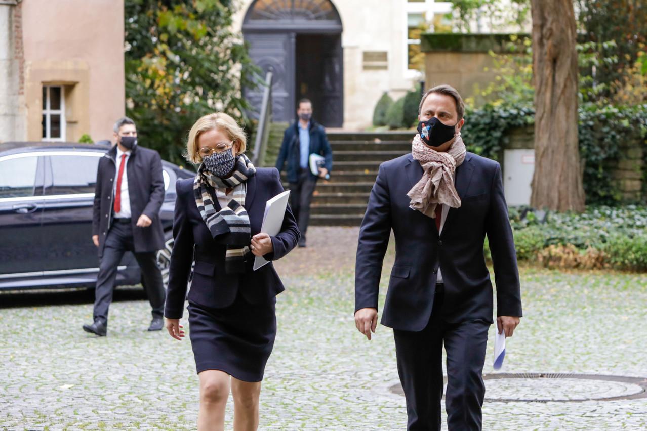 Vendredi, la ministre de la Santé et le Premier ministre ont annoncé de nouvelles mesures à la sortie du conseil de gouvernement. (Photo: Romain Gamba/Maison Moderne)