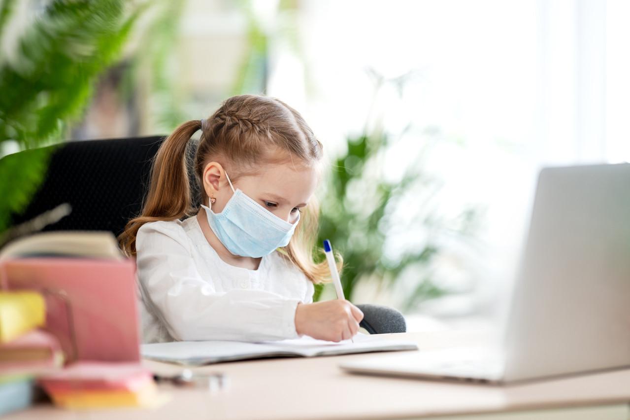 Le retour du «homeschooling», ou la prolongation du congé de Noël? Le ministère se prépare à toutes les éventualités. (Photo: Shutterstock)